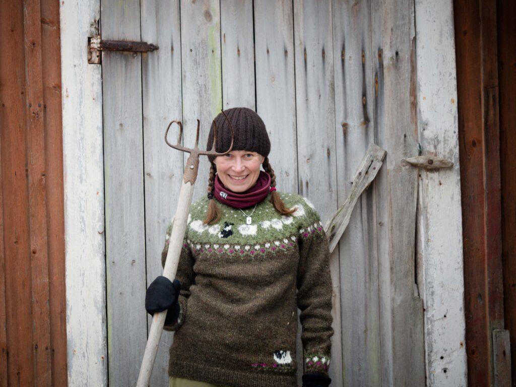 Terhi Ilosaari ja islantilainen villapaita