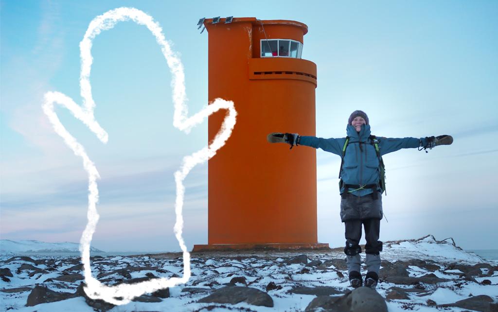 Islantilaisella majakalla islantilaisen lapasen kanssa Kuva: Terhi Ilosaari