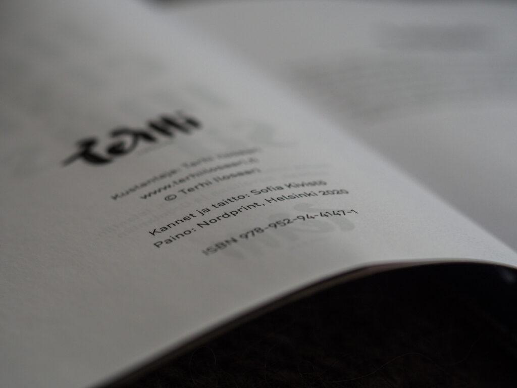 Kirjan tiedot sisäsivulla Kuva: Terhi Ilosaari